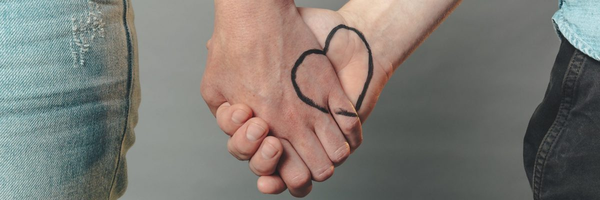 two-hands-with-a-heart-1