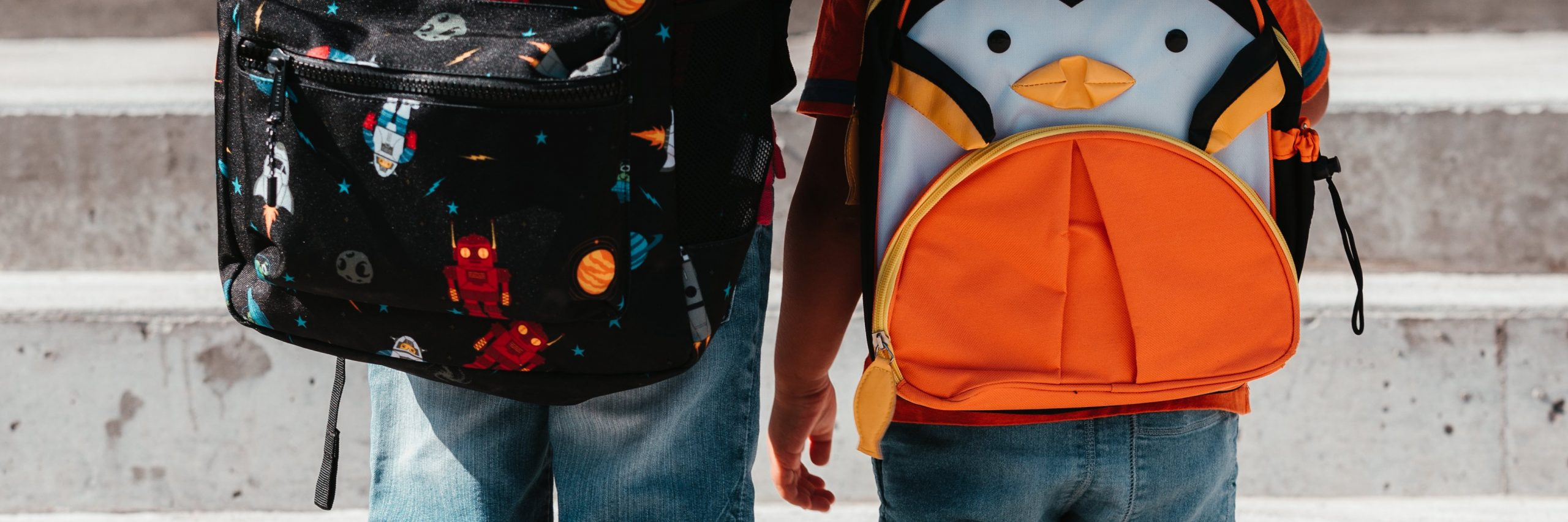children-wearing-school-bags-2