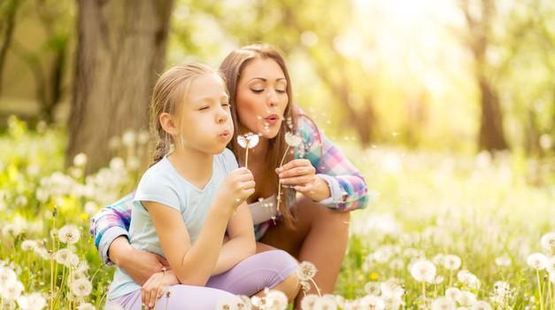 Revija Sensa- Za uspešno vzgojo otrok je nujno ozaveščanje vzorcev staršev