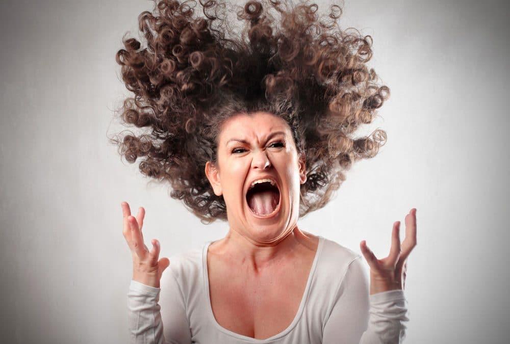 Se hitro razburiš, veliko kričiš in nasploh težko nadzoruješ svoja čustva?